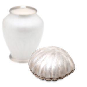 Keepsake Shell 2 Tone White Pearl With Brushed Gold Tone Bottom